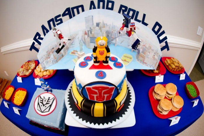 Top Transformers Birthday Party Cake Idea 700 x 466 · 104 kB · jpeg