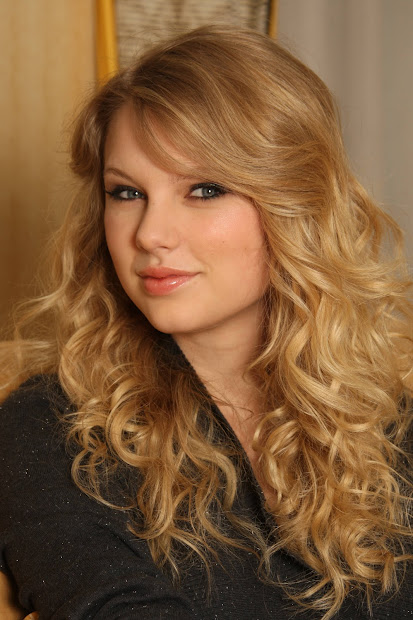 hairstyle taylor swift long