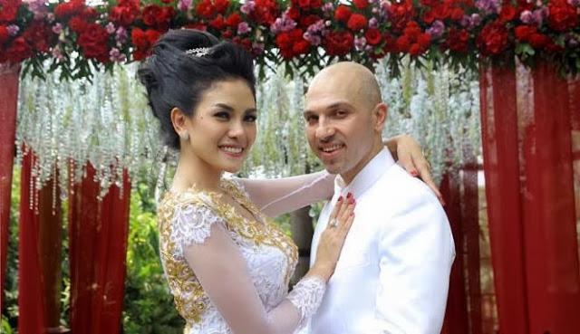 Pernikahan Nikita Mirzani-Sajad Ukra