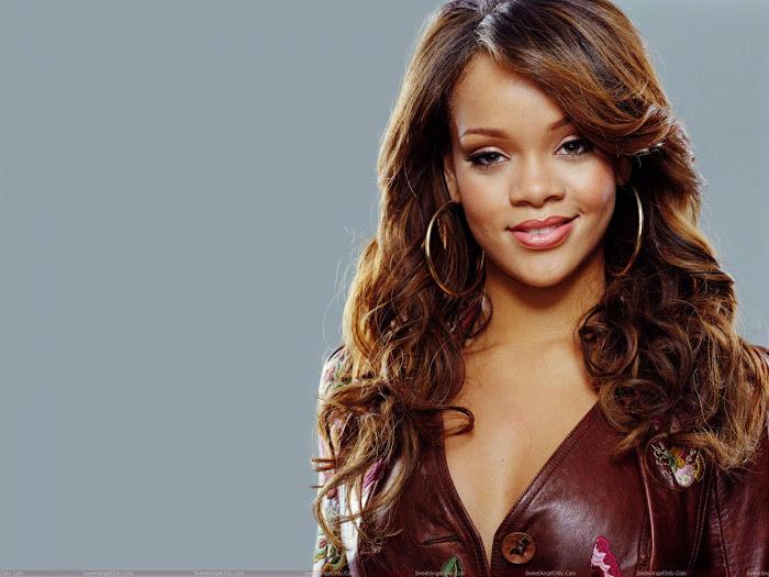 Rihanna HD Desktop Wallpaper -06
