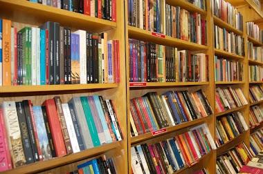 Quer bons livros? Clique na foto abaixo e saiba aonde tem: