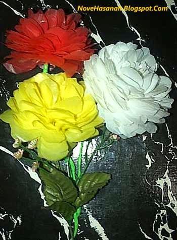 bunga dahlia dari kantong plastik bekas