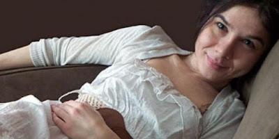 Ingin Dipeluk Wanita Ini Bayar Dulu Usd 60 Per Jam [ www.BlogApaAja.com ]
