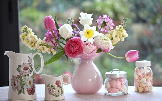 Bouquet of Flowers Beautiful Pink Vases HD Wallpaper