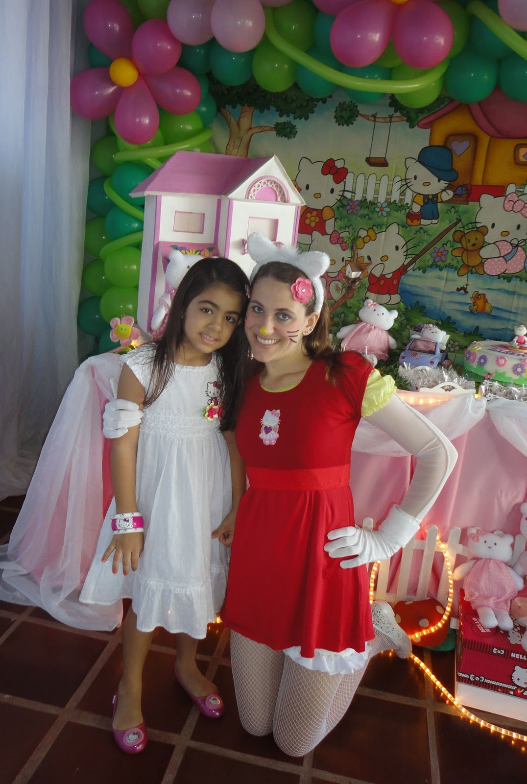 Amanda Faria Recreao Festa Hello Kitty