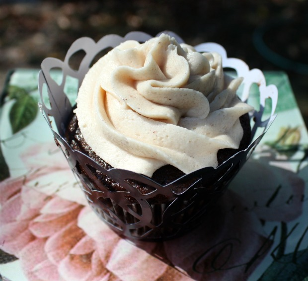 ... Living: Chocolate Pumpkin Cupcakes with Cinnamon Buttercream Frosting