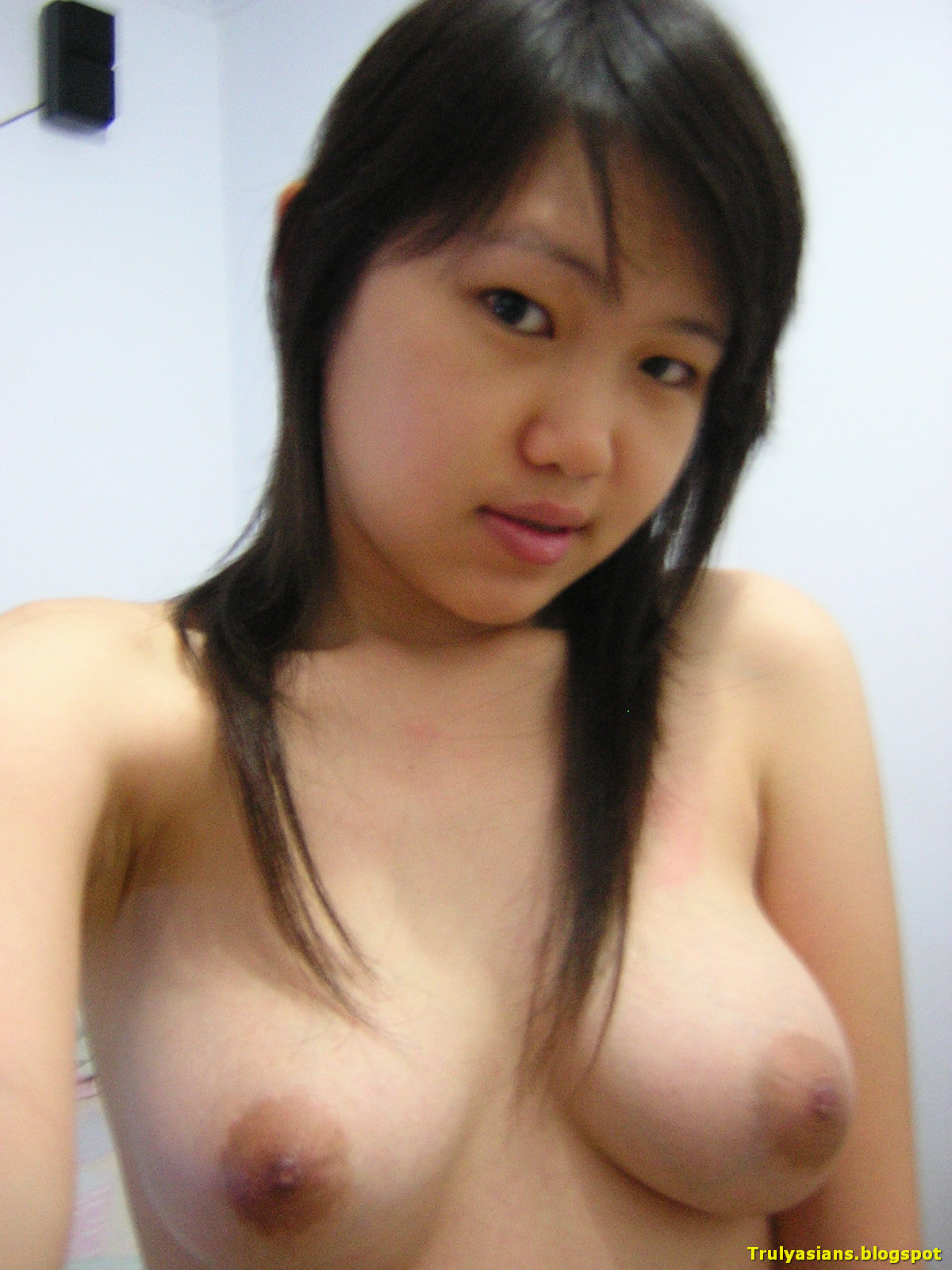 Teenage chinese girls topless 15