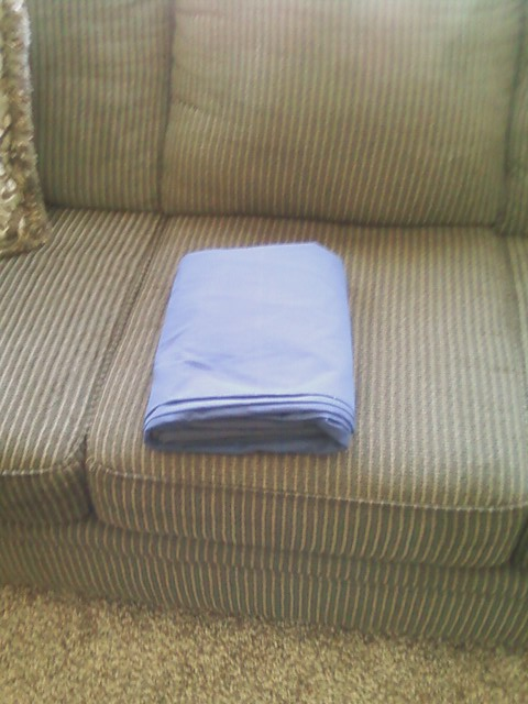 Junk In Their Trunk How To Fold A Fitted Sheet