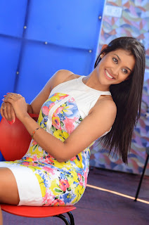 Actress Pooja Jhaveri Latest Picture Shoot Gallery in Floral Short Dress  017