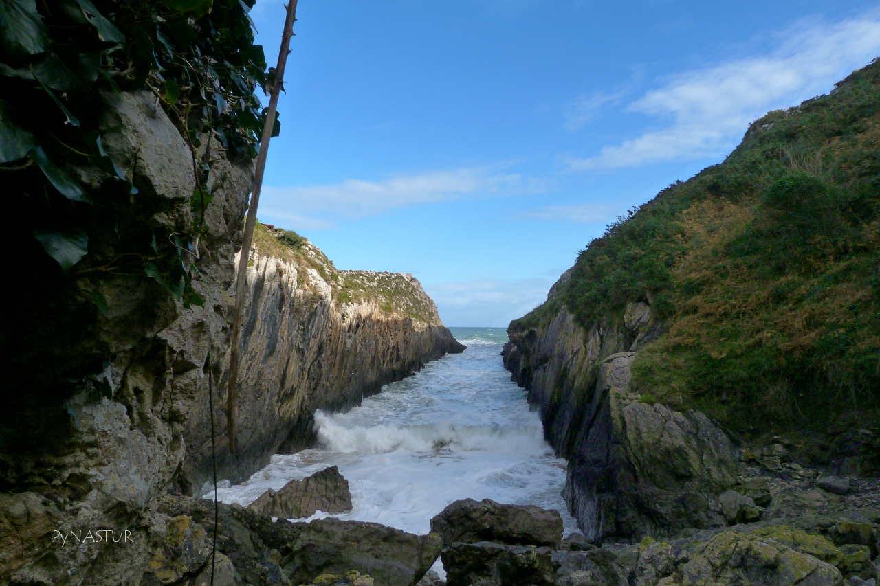 Playa de Villanueva o del Canal - Llanes - Asturias