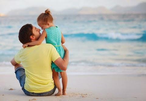 7 Ciri Suami Dan Ayah Yang Comel
