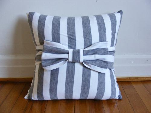 Evde kendin yap fiyonklu yastıklar 1