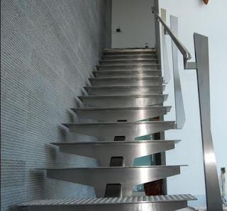 Fotos de escaleras junio 2013 for Escalera 5 pasos afuera