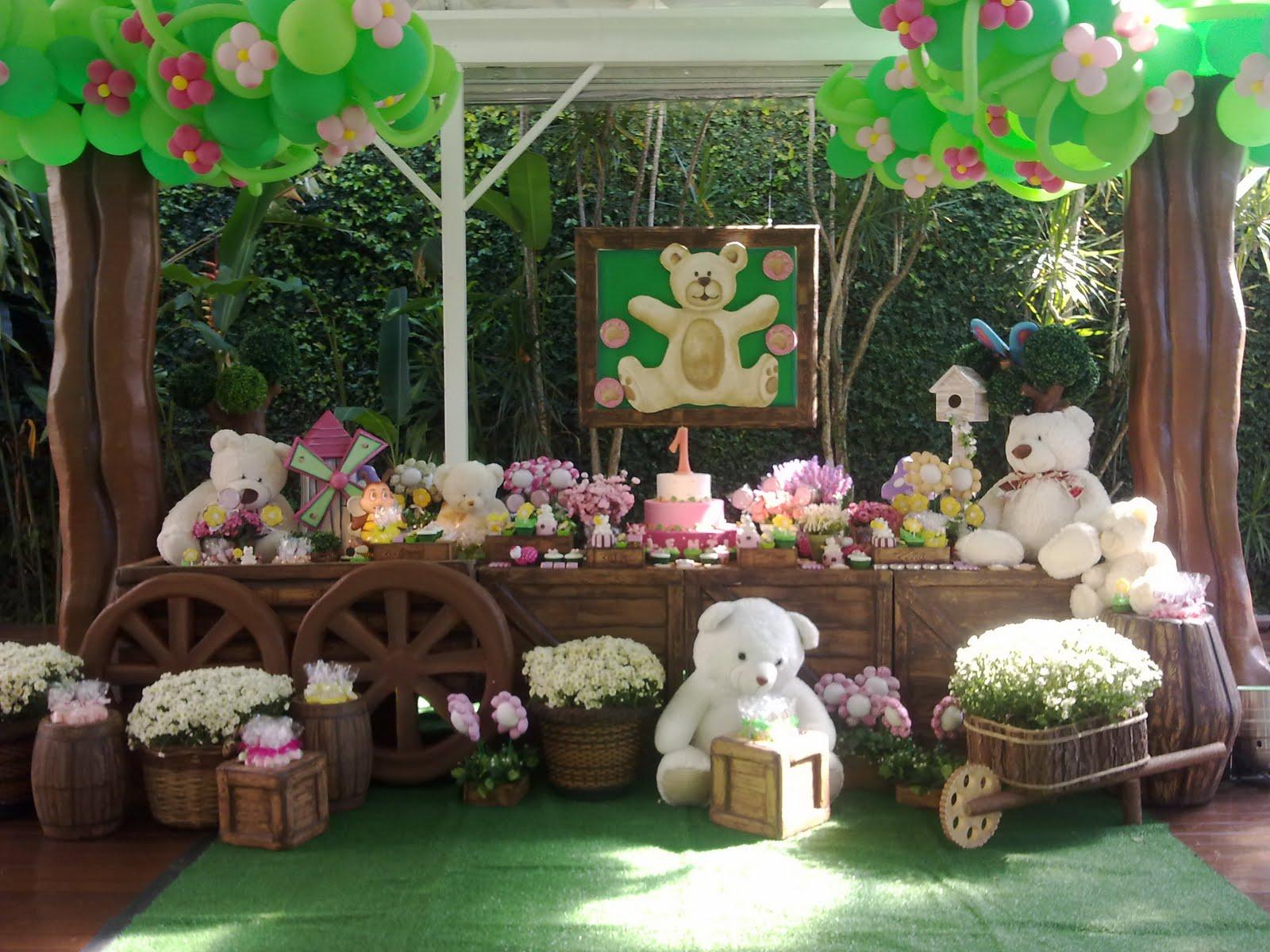 festa jardim dos ursos:No jardim da Valentina tem abelhas, joaninhas, ursinhos e muita