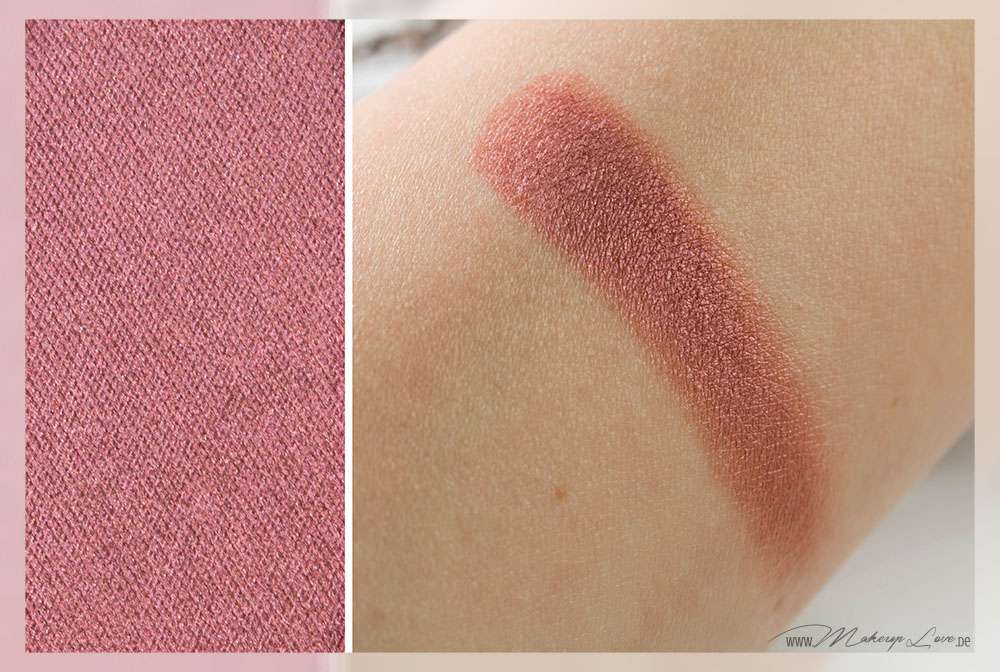 MAC Eyeshadow Cranberry Swatch