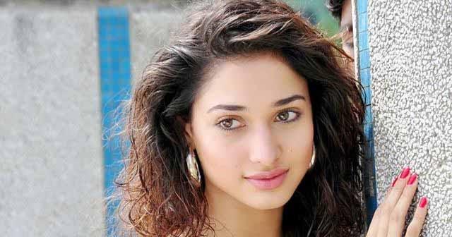 hot porn adult: Tamanna Bhatia Latest Stills Pics
