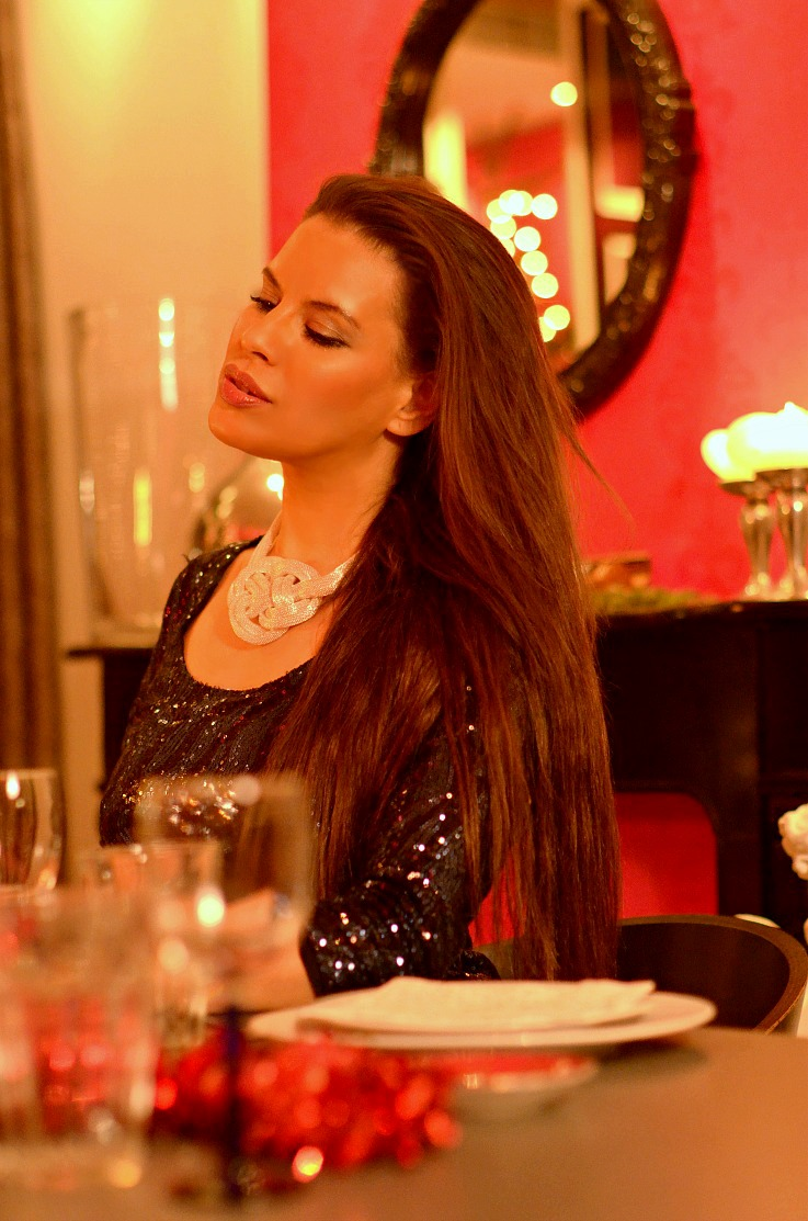 Tamara Chloé, Christmas Dinner, Sequined dress, Luxury For Princess, Christmas table setting