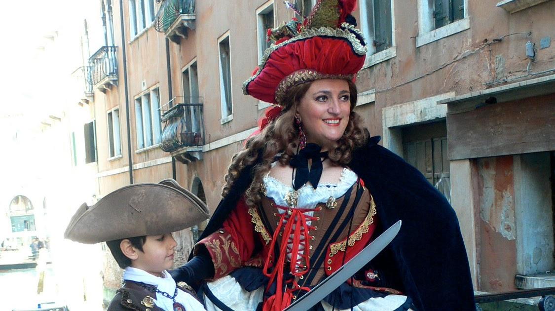 9845c96272 Period Corsets  CARNEVALE A VENEZIA ~ Carnival in Venice