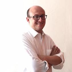 Lic. José Aguilar en Valkiria