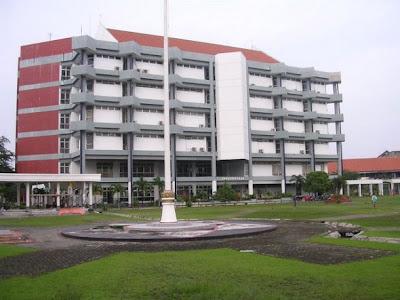 6 Universitas Terbaik Dan Terkenal Di Indonesia [ www.BlogApaAja.com ]