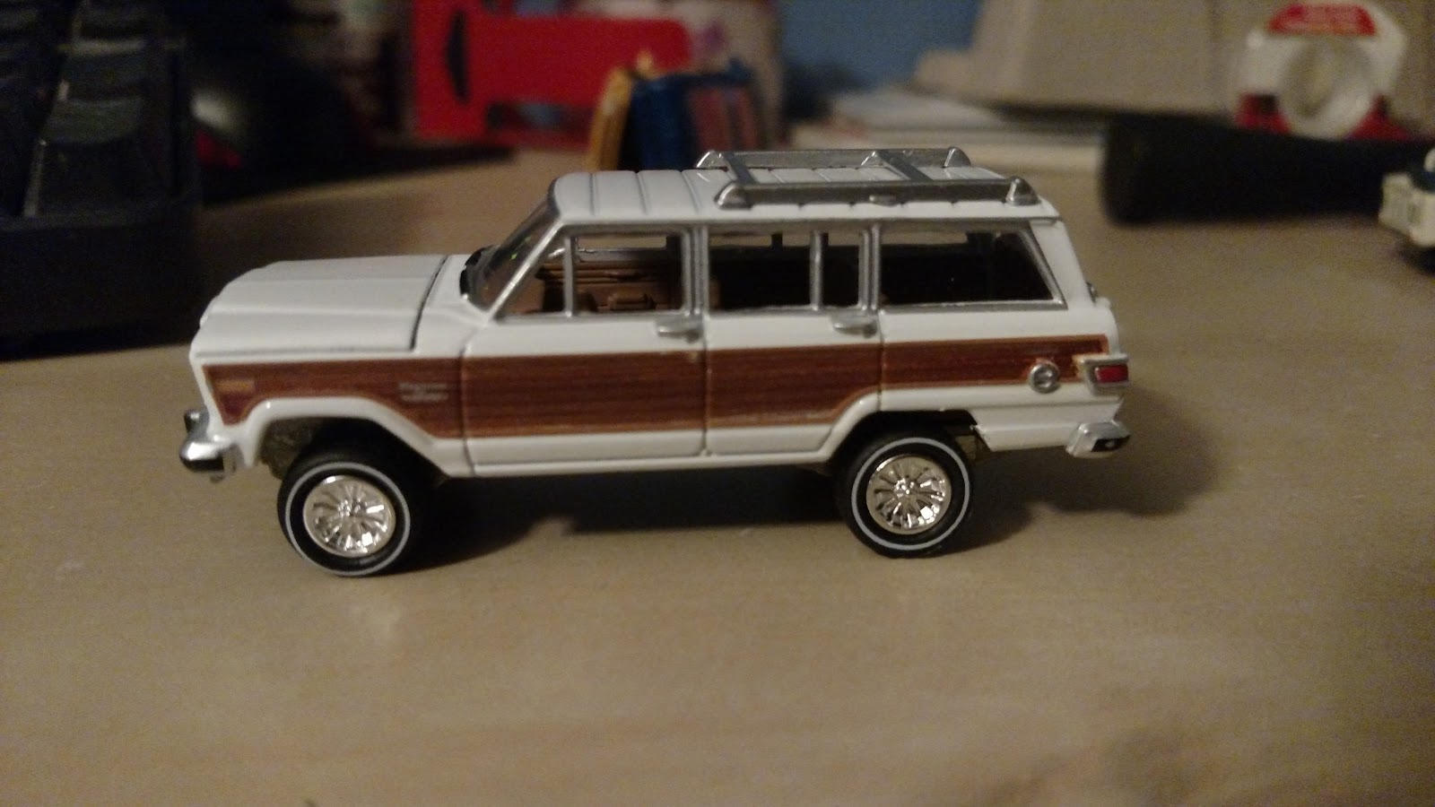3inchdiecastbliss: johnny lightning's jeep grand wagoneer