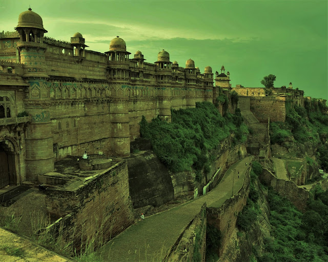 Largest Palace in Gwalior