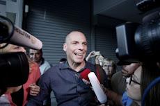 GRECIA: Varoufakis dice que dimitirá si los griegos votan sí en el referéndum.
