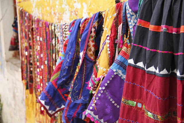 Hampi gyspy stall, embroidery Hampi, wandering style, ethnic style, travel photography