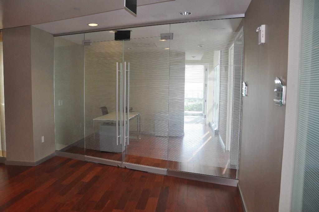 Cristal separar ambientes 1 paredes de cristal para - Paredes de cristal para separar ambientes ...