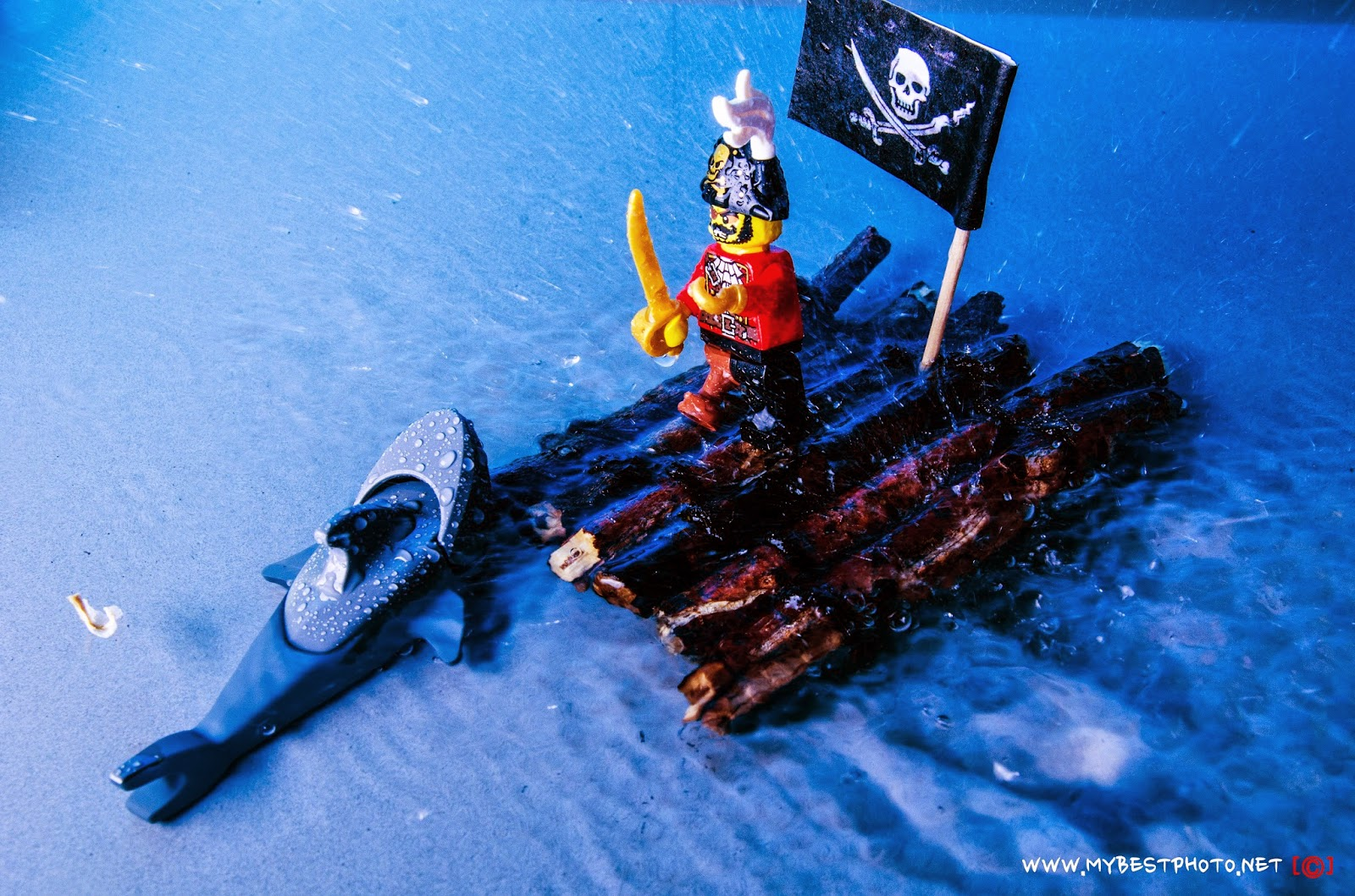Lego Minifigure Series 8 Pirate Captain - Wallpaper