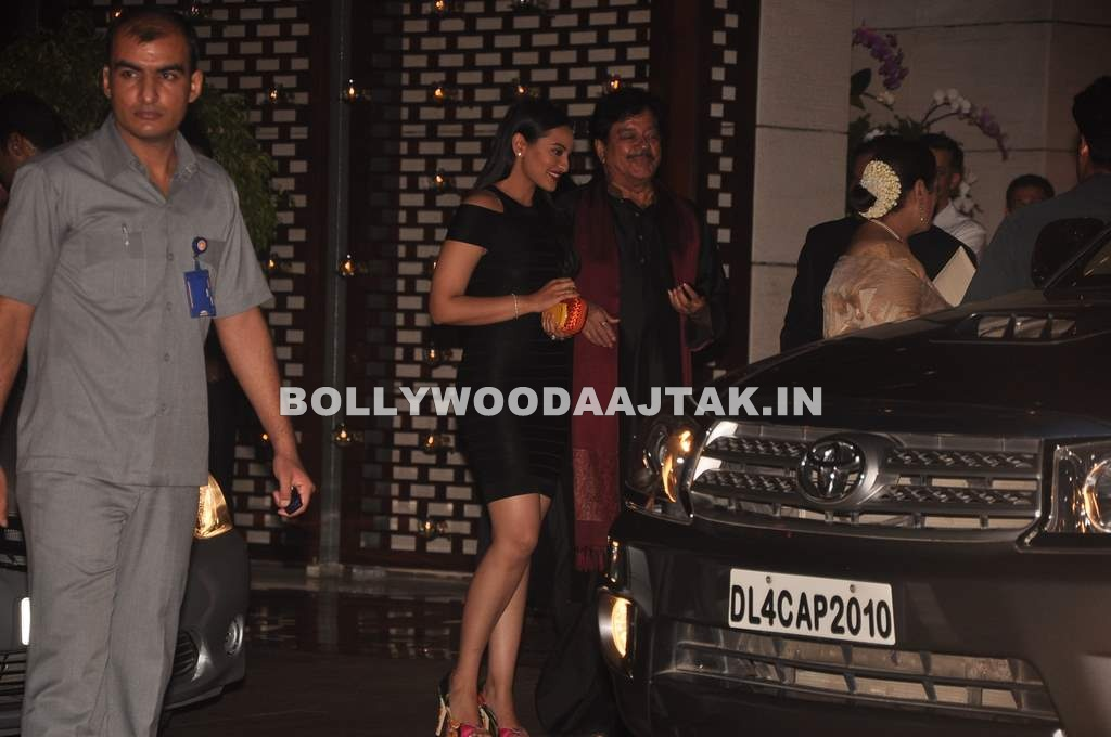 Sonakshi Sinha at ambani party - Sonakshi Sinha at the Ambani party for Sachin Tendulkar