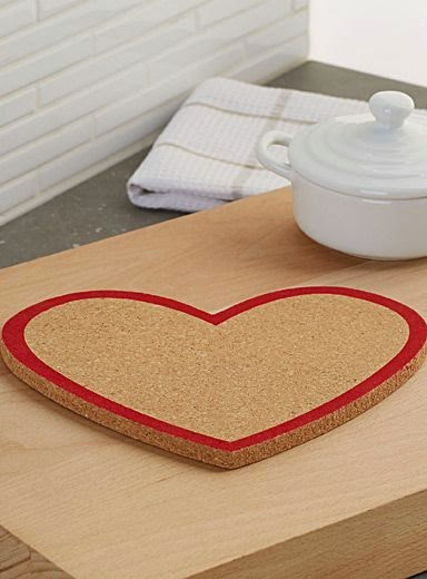 http://www.simons.ca/simons/product/11336-7142108/Trivets+and+Coasters/Heart+cork+trivet++20%C2%A0cm,+round+shape?/en/&catId=c1155&colourId=99