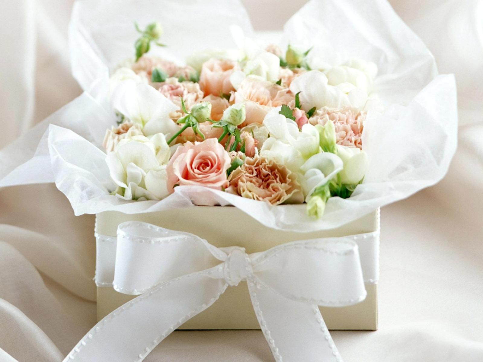 http://3.bp.blogspot.com/-mhqYD7PE0Uc/T3Dcjx7HZfI/AAAAAAAABBo/HmFhcbAw734/s1600/A_Buquet_of_Pink_White_Roses_HD_Wallpaper.jpg