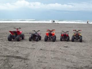 ATV di Pantai Prangtritis