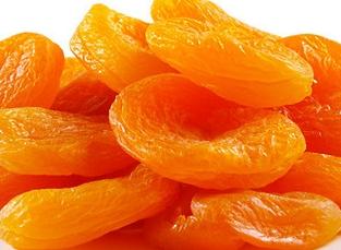 ярко-оранжевая курага