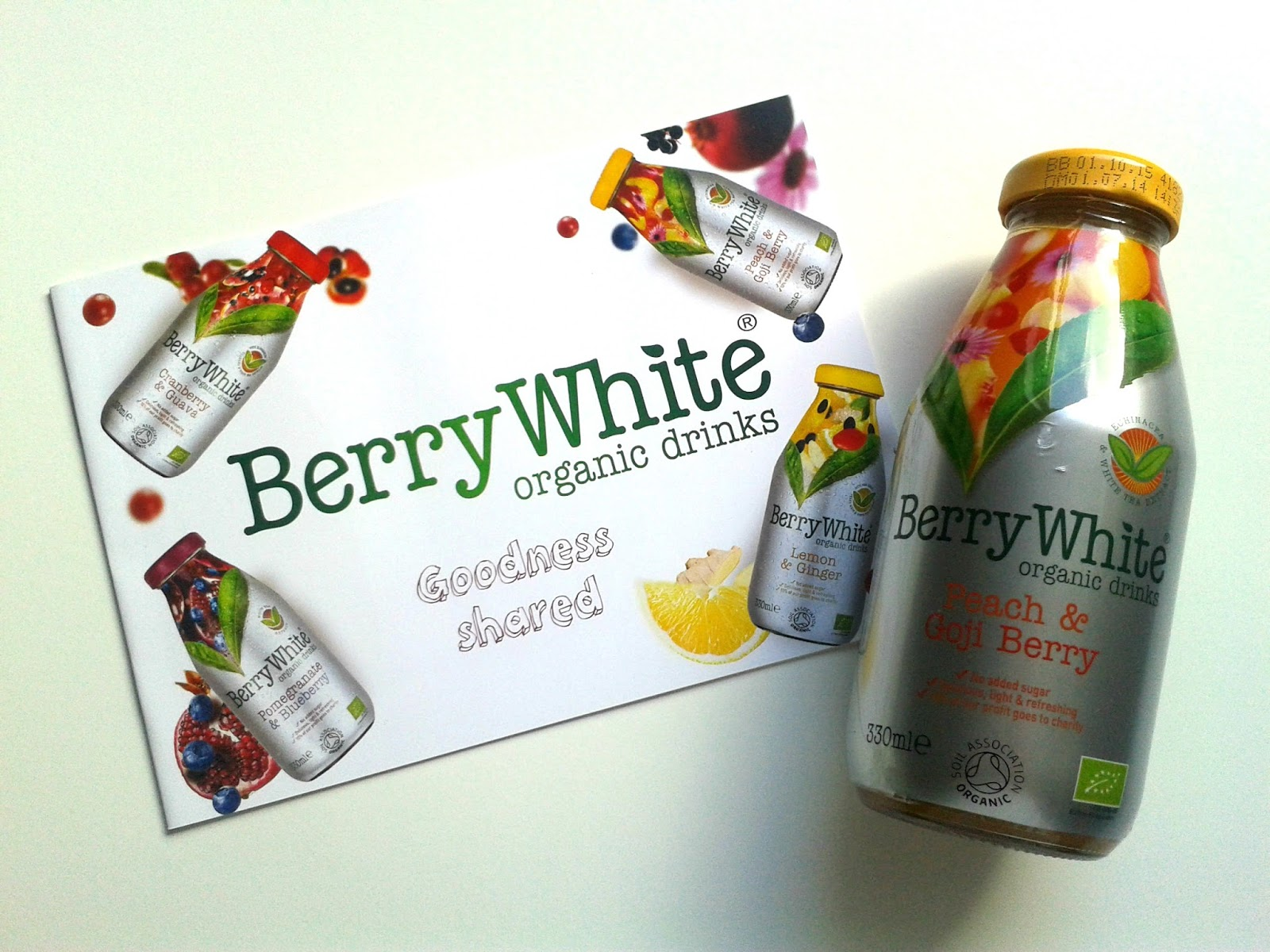 Berry White Peach & Goji Berry Organic Drink August Degustabox Review