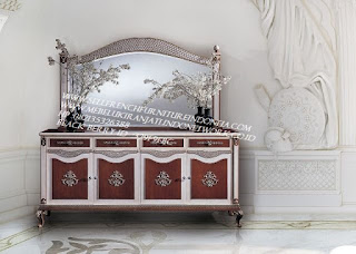 buffet ukir jepara Jual furniture mebel jepara buffet klasik buffet jati buffet antik buffet jepara buffet duco mebel buffet jepara furniture mebel ukir jepara BFFTJ-102020 jual kabinet classic laci 4 set pigura ukir jepara