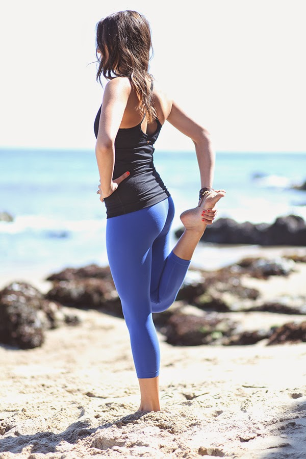 Product Review: YOGASMOGA Crop & Tank | www.natalie-dressed.com