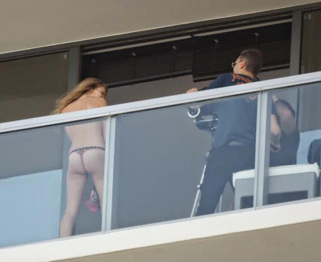 Topless Rosie Huntington Whiteley 3
