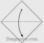 Bước 1: Gấp tờ giấy theo chiều từ trên xuống dưới để tạo nếp gấp sau đó lại mở ra.