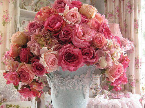 imagem de rosas - arranjo de flores no vaso