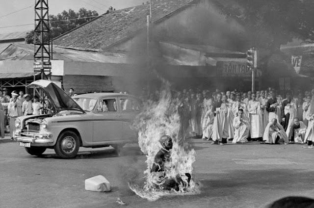 буддизм самосожжение
