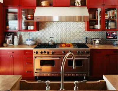 Design fixation bright colorful kitchen cabinets for Brightly painted kitchen cabinets