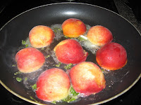 Seared peaches with balsamic reduction