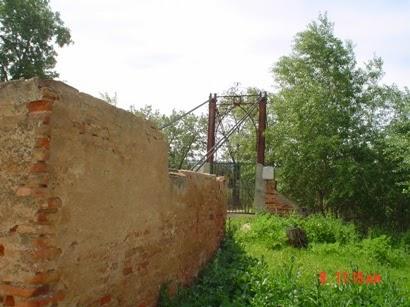 Entrada Puente visto desde los restos de uno de los torreones