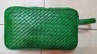 gambar mini clutch bag warna hijau metalik motif sulam untuk pria dan wanita, harga clutch bag online, gambar handbag wanita