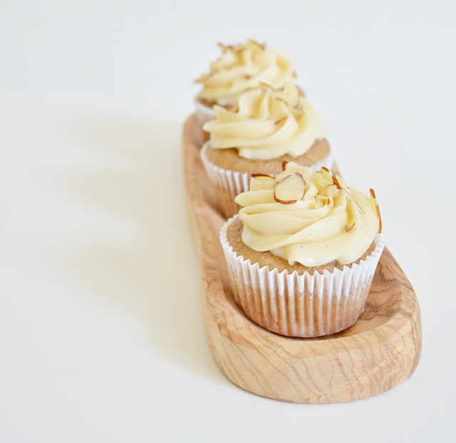 Fluff Cupcake: Banana Cupcakes with Honey Cinnamon ...