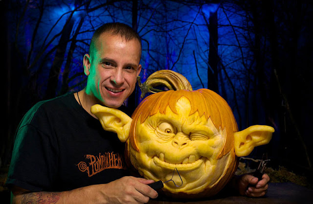Ray Villafane  excellent pumpkin carving design