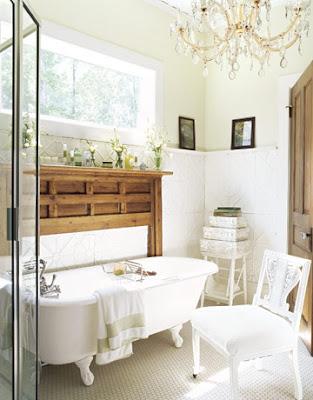 vintage clawfoot tub