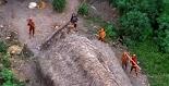 Ομοσπονδιακοί εισαγγελείς στη Βραζιλία ξεκίνησαν έρευνα μετά από πληροφορίες ότι η «αμόλυντη» φυλή που ζούσε κατά μήκος του Αμαζονίου και δ...